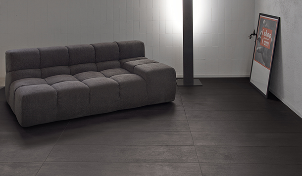 """<span style=""""font-size:12px""""><i><right>Material shown: Dark Gray</right></i></span>"""